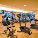 sala de fitness cu aparate precor