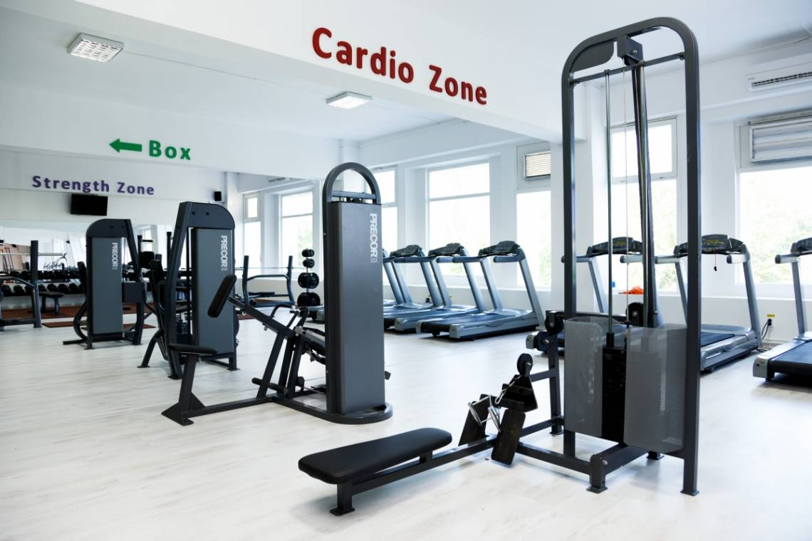 aparate fitness precor