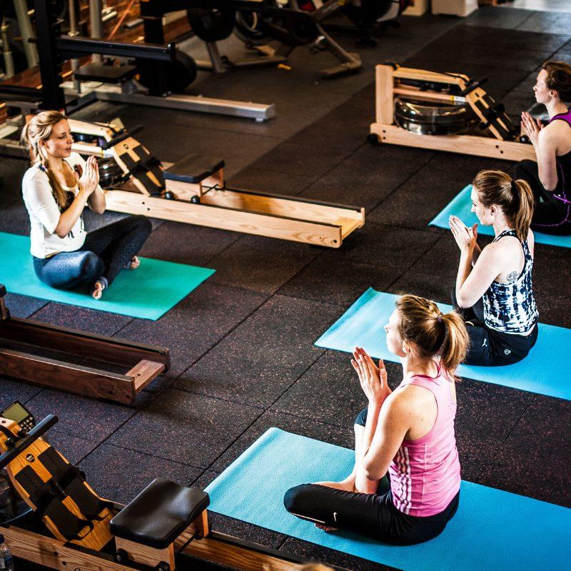clase de rowing si yoga