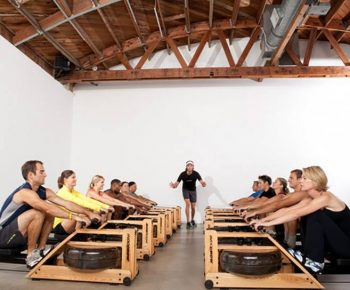 10 motive sa incerci indoor rowing cu aparatul de vaslit WaterRower