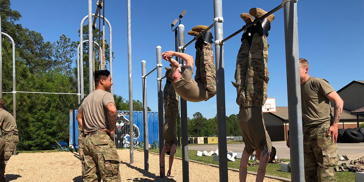 ghete de inversie folosite in antrenamente armata